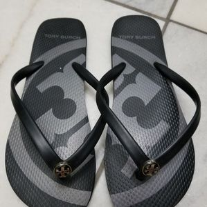 New tory burch flip flops